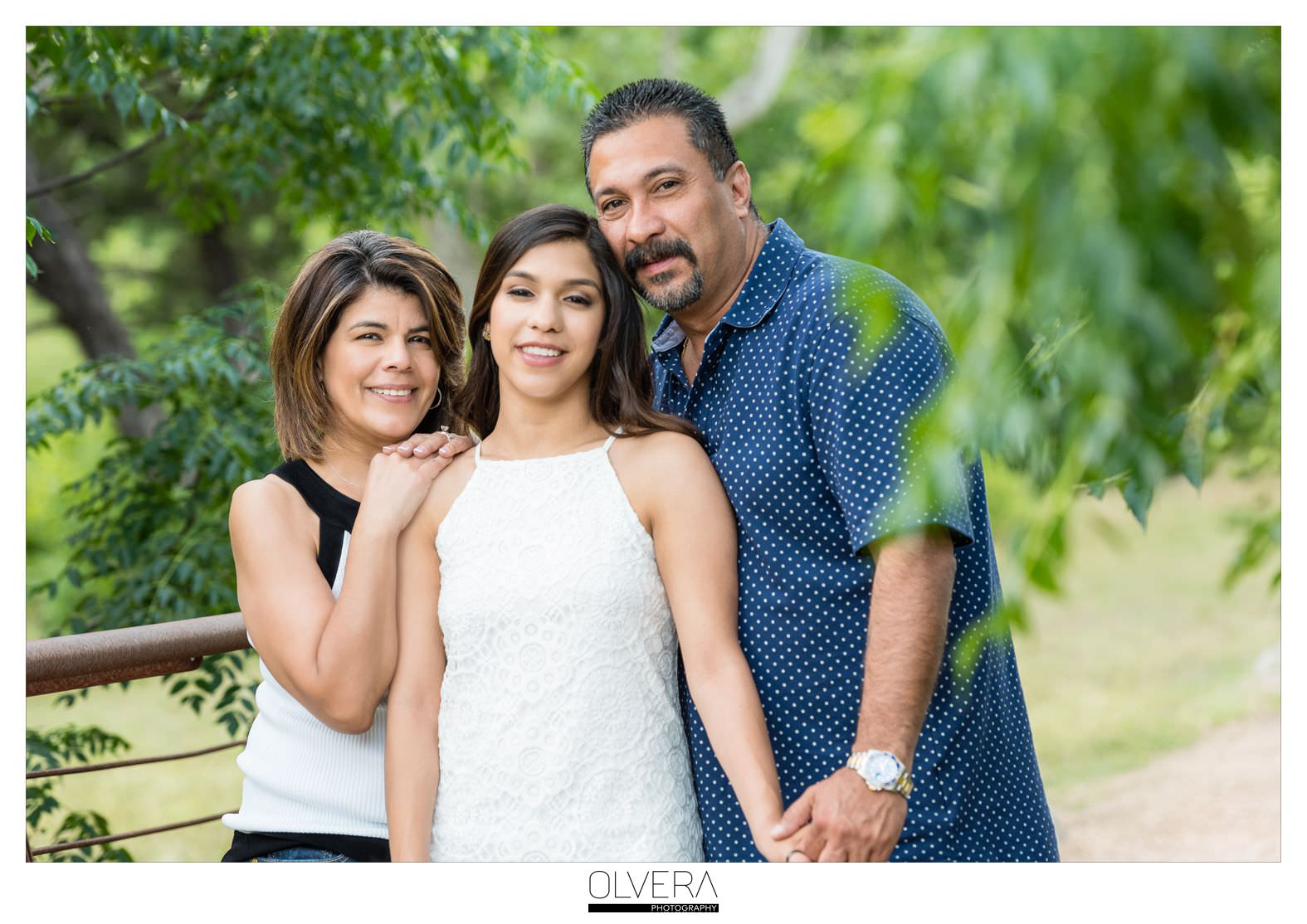 MOM_DAD_Senior_Photos_with_Parents