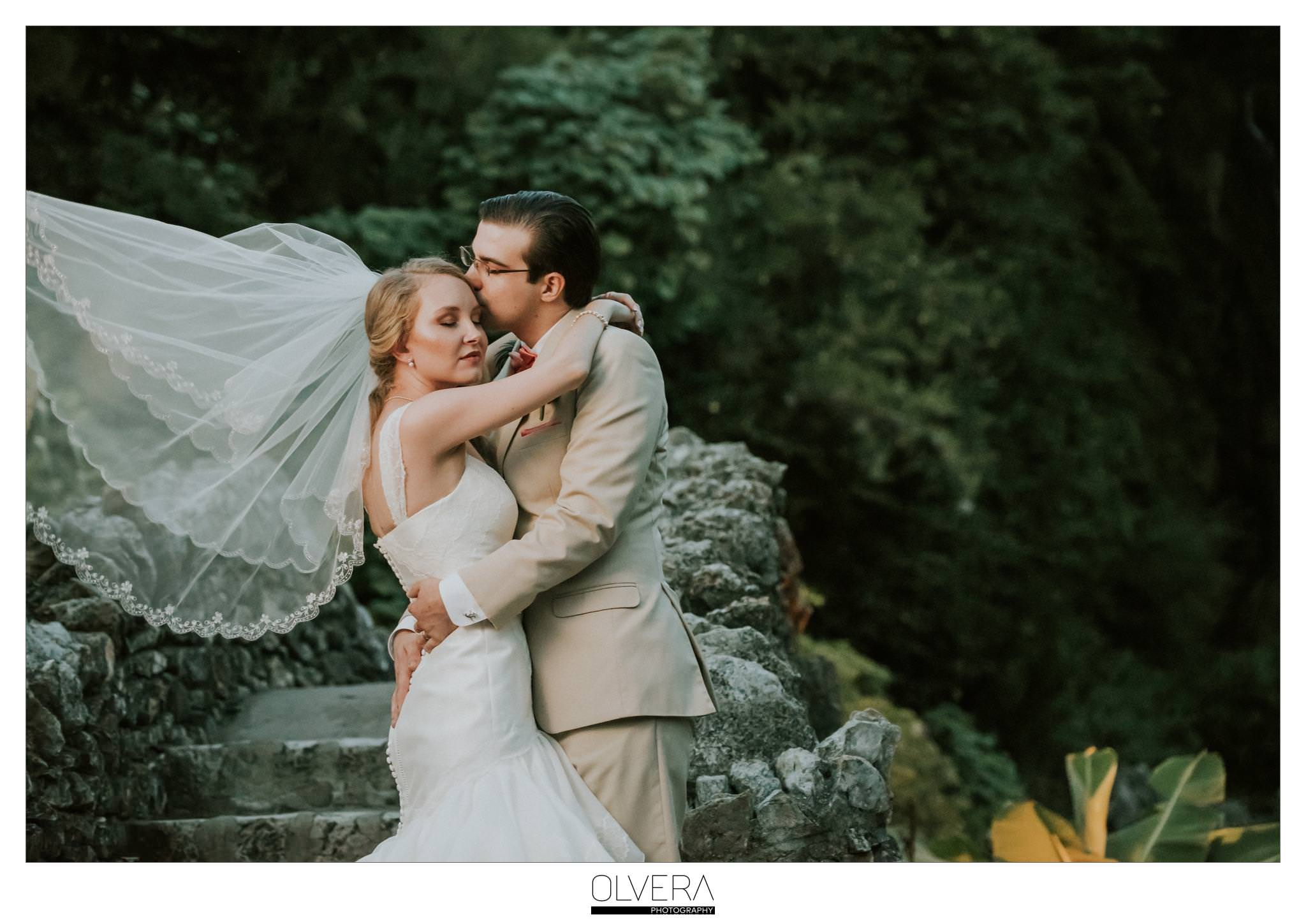 Japanese Tea Gardens Intimate Wedding| San Antonio, TX.