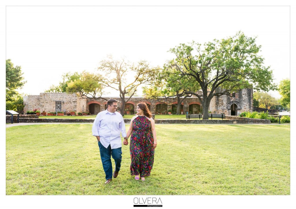 Fiesta Inspired Engagement Photos at Mission Espada